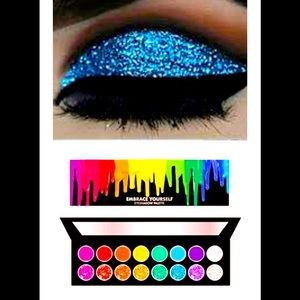Taste Beauty Embrace Yourself! Colorful Eyeshadow Palette nwt